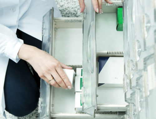 Sanidad y CCAA aprueban que las farmacias devuelvan los descuentos de los laboratorios al SNS
